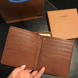 Louis Vuitton Monogram bi-fold 10 cards wallet